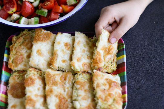 אצבעות גבינה וברוקולי