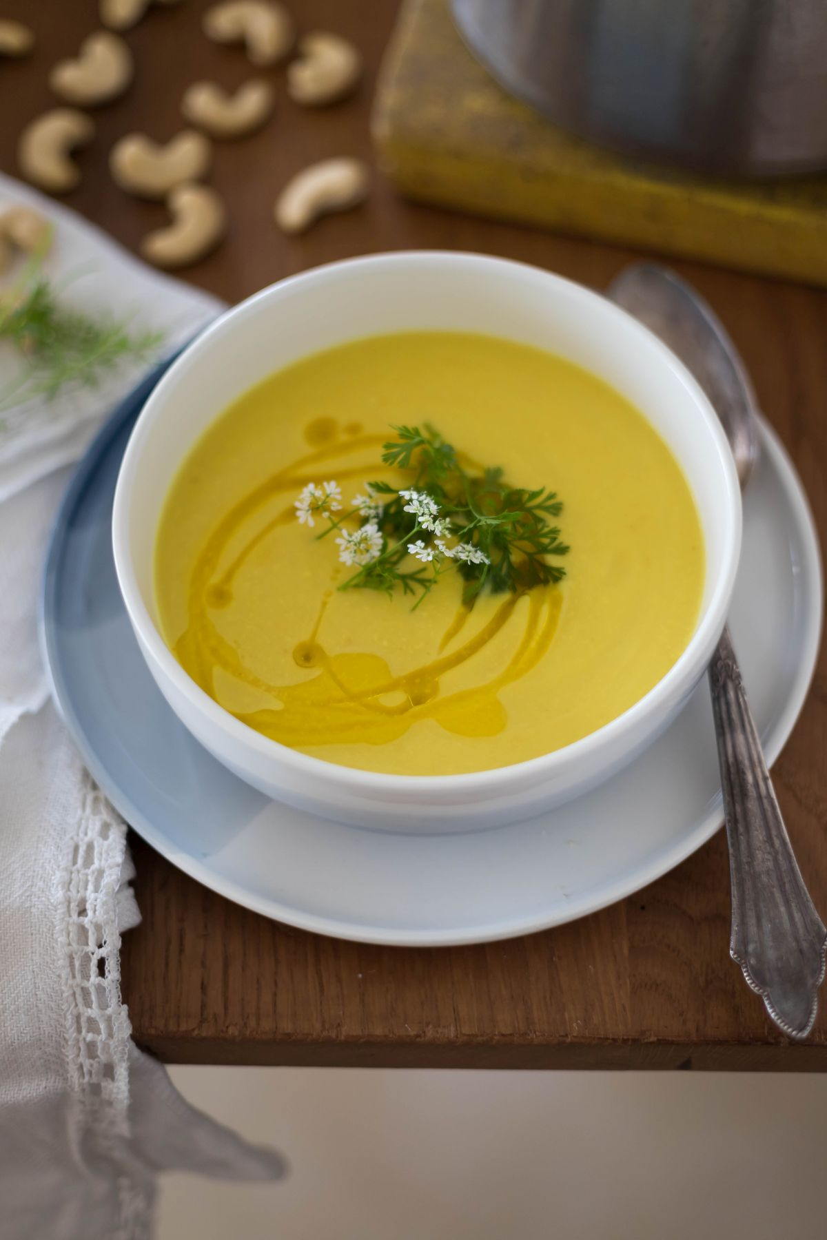 מרק כרובית וכורכום